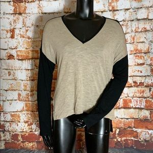 Madewell Black and Brown Long Sleeve V-Neck
